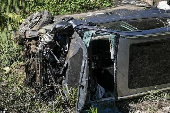 Huyền thoại Tiger Woods nhập viện vì tai nạn xe hơi