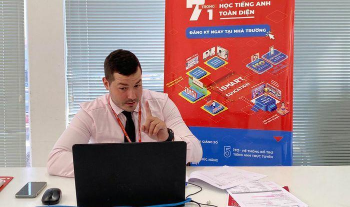 Nhiều phương án học trực tuyến tiếng Anh thông qua Toán và Khoa học