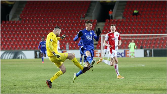 "Kết quả bóng đá Europa League, Slavia Prague – Leicester City: ""Bầy cáo"" sa lầy, Vardy im tiếng"