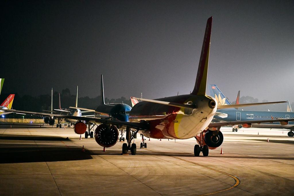 Tăng chuyến bay đêm tại Tân Sơn Nhất cao điểm Tết 2021