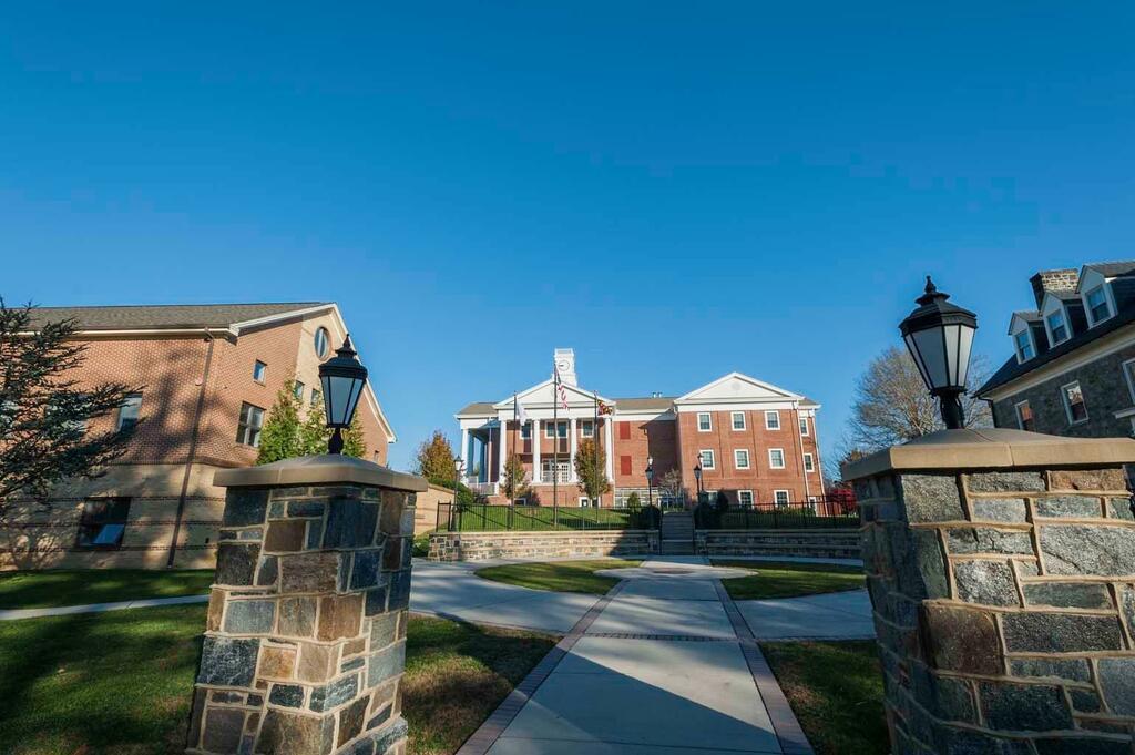 West Nottingham Academy, môi trường giáo dục trung học cao cấp tại Mỹ