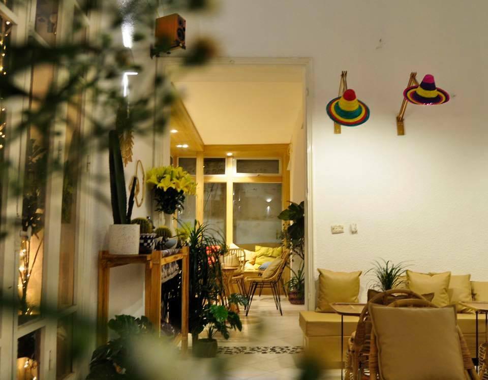 Những quán cafe vừa decor đẹp vừa yên tĩnh ở Hà Nội, mở cửa xuyên Tết cho chị em xuất hành dạo chơi đầu năm