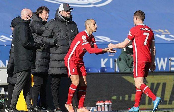 Liverpool tiếp tục chịu thiệt quân sau trận thua Leicester City
