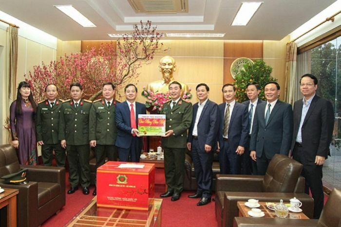 Thứ trưởng Bộ Công an Trần Quốc Tỏ thăm, làm việc tại Thái Nguyên