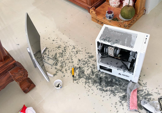 Nhiều game thủ Việt đang bị vỡ vỏ kính PC vì… Tết