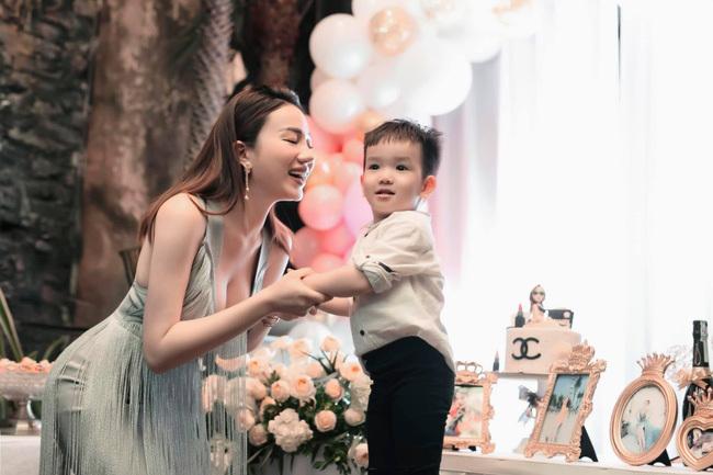 """Người đẹp """"Lựa chọn số phận"""" – Hồng Nhung kể chuyện bị trầm cảm, muốn bỏ showbiz vì tăng 30kg sau khi sinh con"""