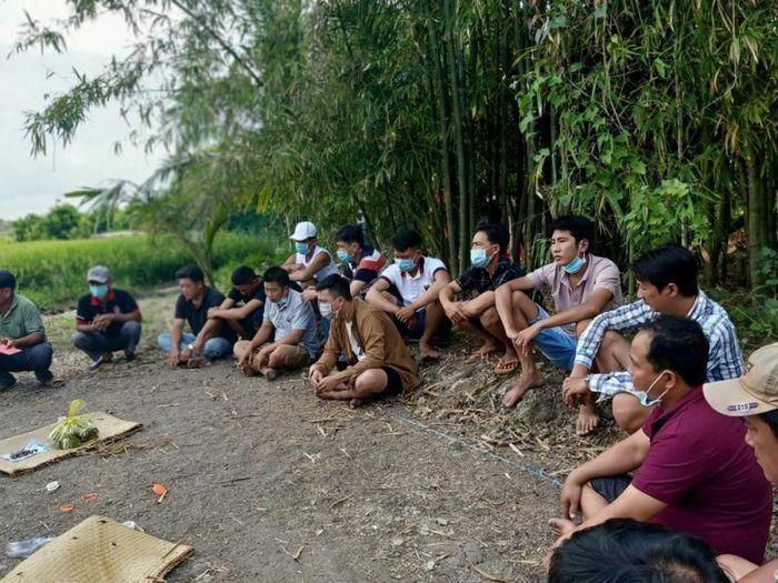 Vĩnh Long: Bắt quả tang 15 đối tượng đang tổ chức đá gà