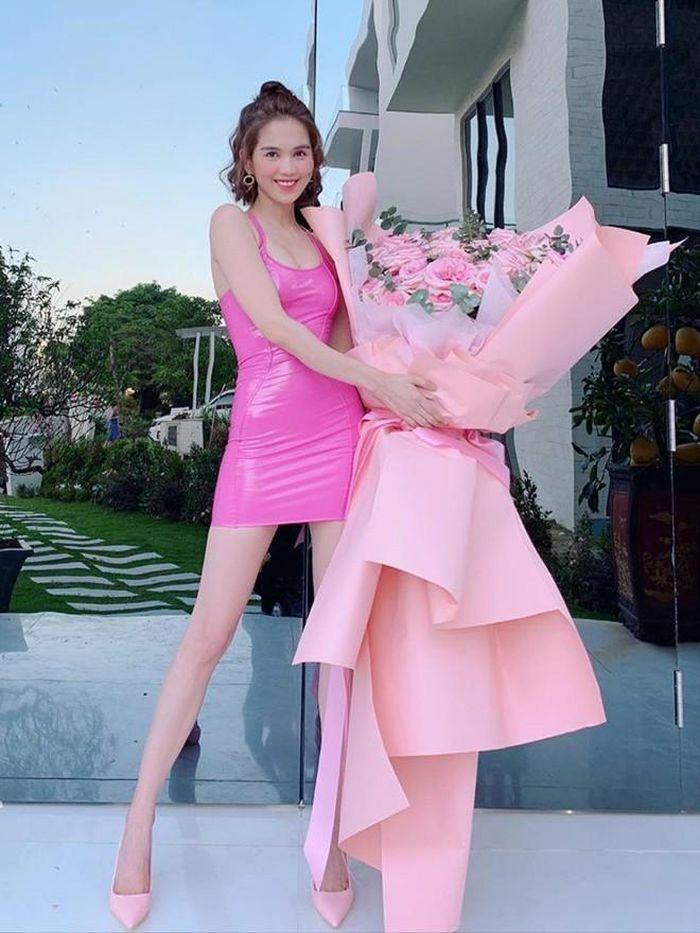 Mỹ nhân Việt mặc gợi cảm khoe dáng nóng bỏng ngày Valentine