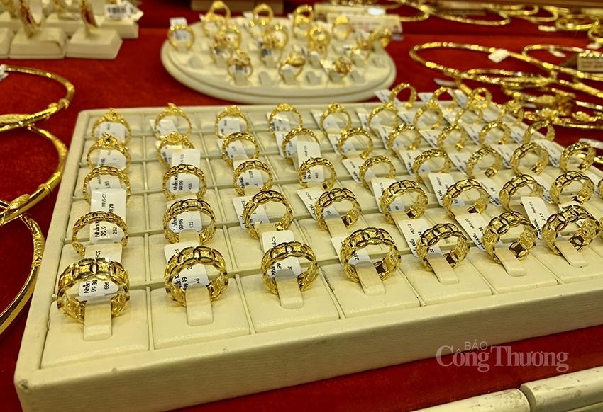 Giá vàng hôm nay ngày 28/2: Thị trường ảm đạm, giá vàng biến động nhẹ