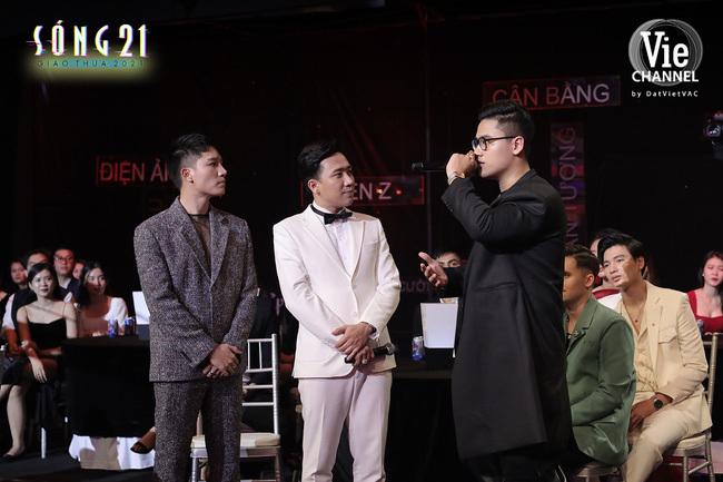"""Dàn All-Star Rap Việt đổ bộ """"Sóng 21"""", Rhymastic khiến trường quay kinh ngạc khi trả lời Trấn Thành về Ballad"""