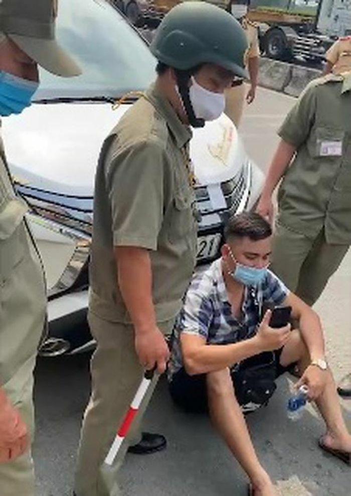 """Vì sao Youtuber Lê Chí Thành chuyên """"giám sát CSGT"""" bị phạt 750.000 đồng?"""
