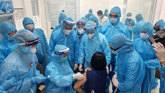 Bộ Y tế yêu cầu lập hội đồng đánh giá tai biến vaccine Covid-19 sau tiêm