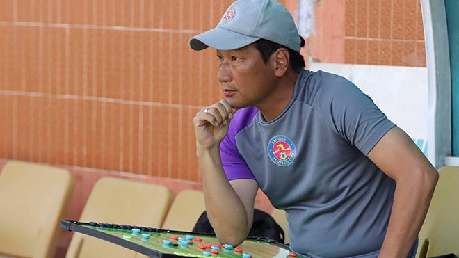 Sài Gòn FC không màng thành tích vẫn sa thải HLV Nhật Bản