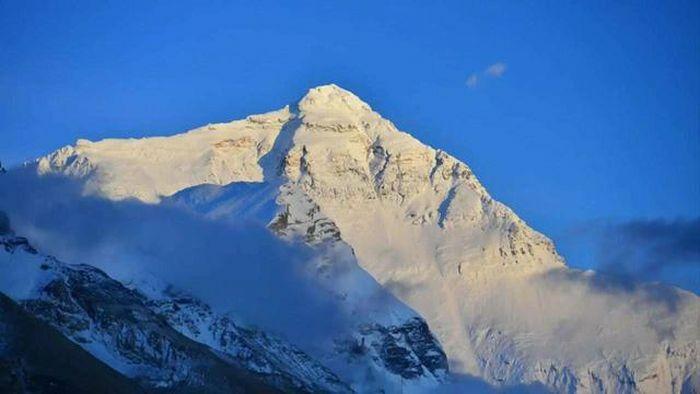 Đỉnh Everest sẽ đón đoàn leo núi đầu tiên sau một năm đóng cửa vì đại dịch Covid-19