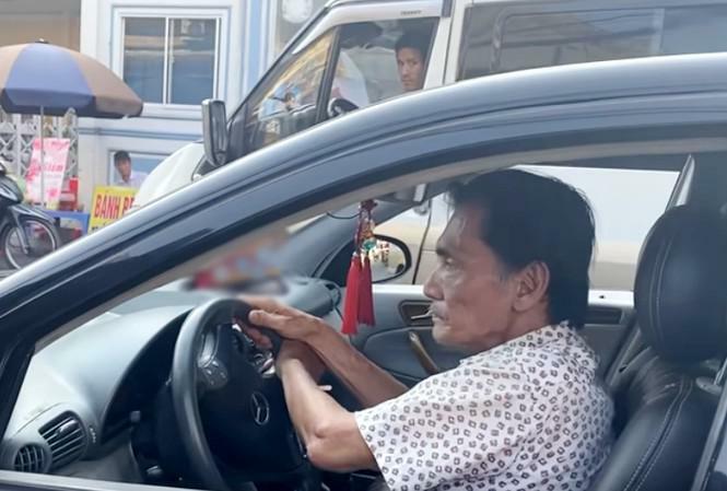 Showbiz 10/3: Thương Tín cho thuê xe được tặng để trang trải cuộc sống