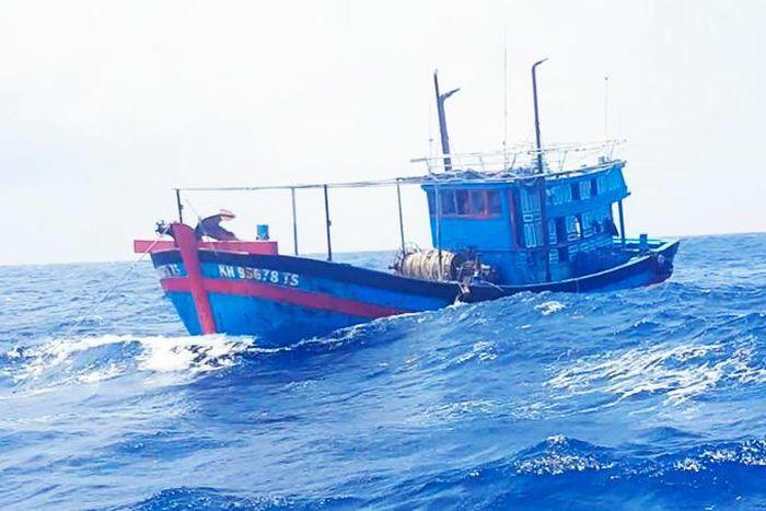 """""""Lắt léo"""" bảo hiểm tàu cá"""