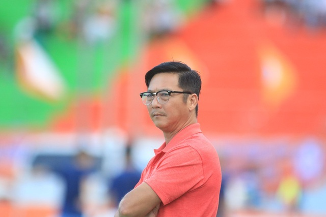 HLV Huỳnh Đức thấy mình thiệt thòi so với… Mourinho, Guardiola