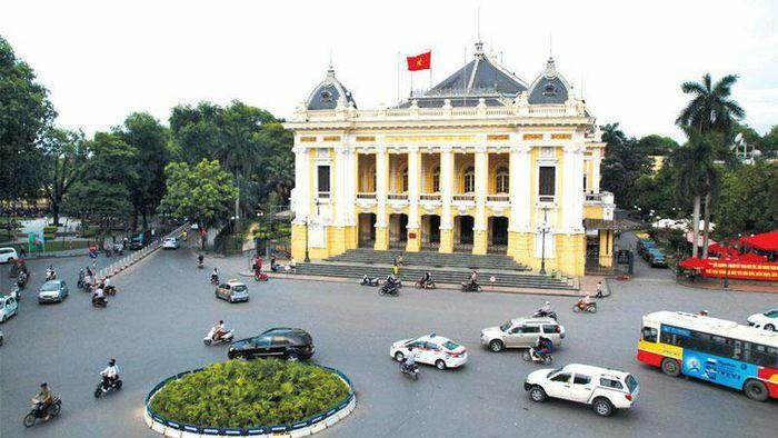 Hà Nội: Thí điểm điều chỉnh tổ chức giao thông khu vực Quảng trường Cách mạng Tháng Tám