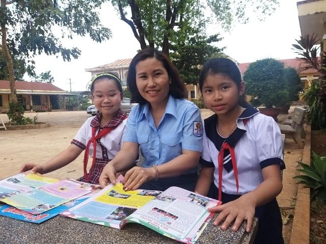 Cô giáo mắc bệnh ung thư nhưng vẫn miệt mài giúp đỡ học sinh nghèo