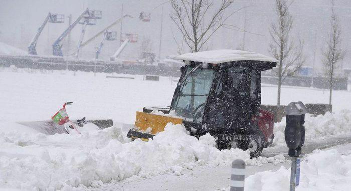 Nhiều bang ở Mỹ tê liệt vì bão tuyết lịch sử