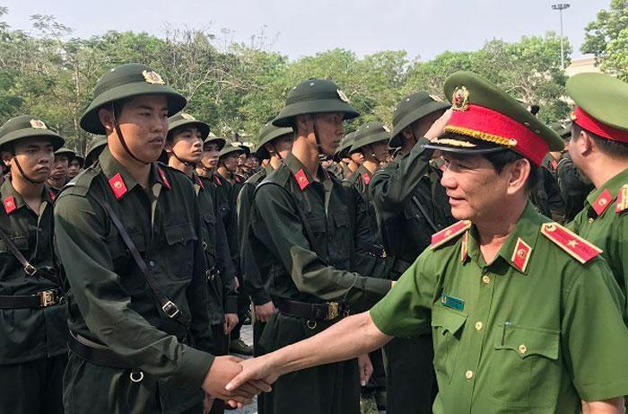 Trung Đoàn Cảnh sát cơ động Đông Nam bộ khai giảng khóa huấn luyện cho gần 2 ngàn chiến sĩ mới