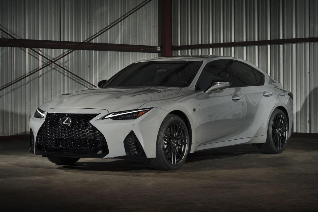 Lexus IS 500 F Sport bản đặc biệt được sản xuất giới hạn 500 xe