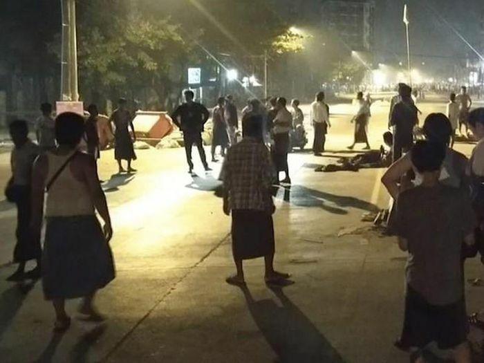 Myanmar: Hàng trăm người biểu tình được cảnh sát trả tự do