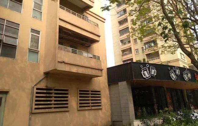 Vụ thiếu nữ Hà Nội 16 tuổi rơi từ tầng cao chung cư tử vong: Trong phòng của nạn nhân có 1 vỉ thuốc ngủ, chỉ còn lại 1 viên