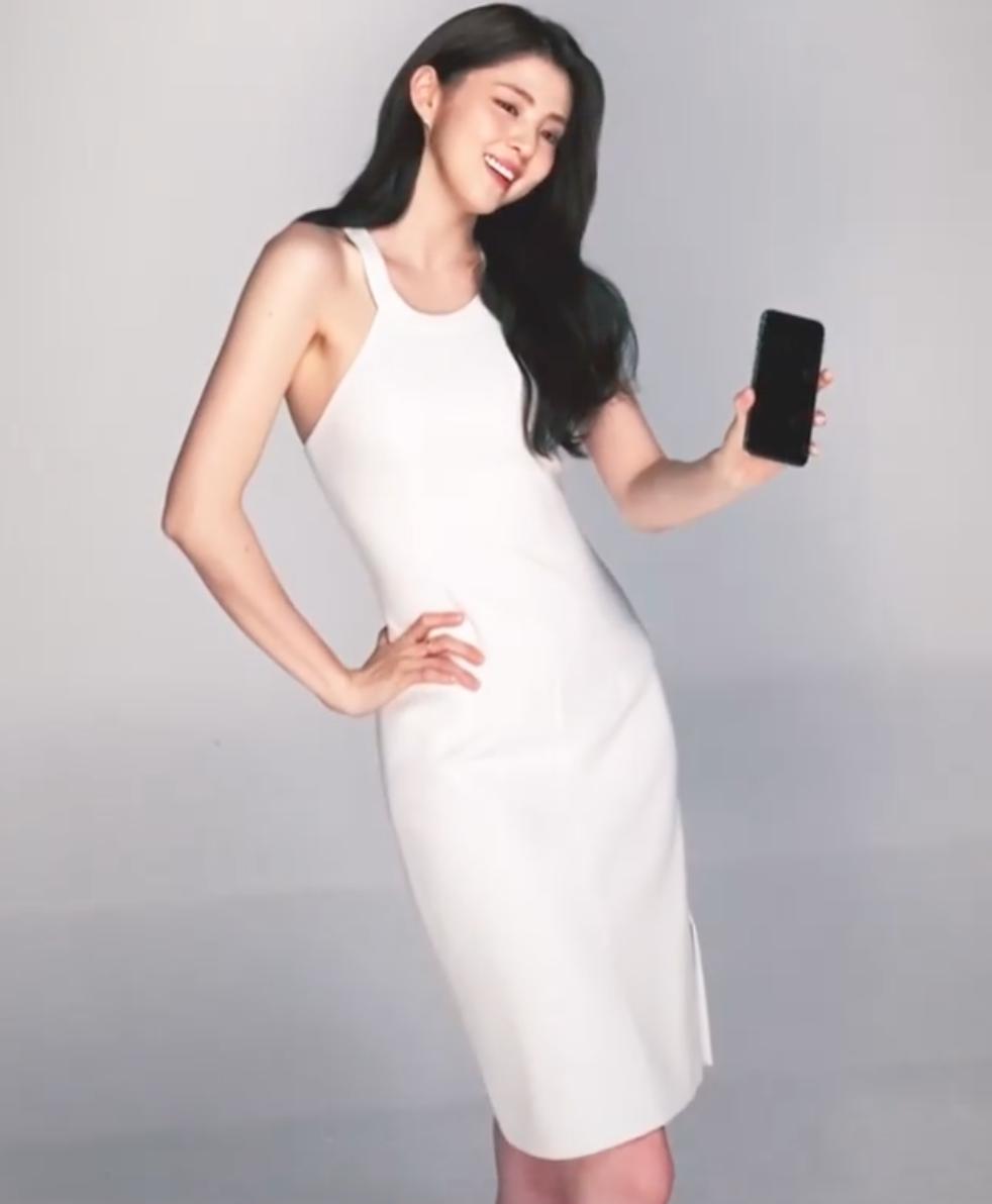 'Bản sao' Song Hye Kyo gây choáng váng với vẻ đẹp thanh tao, body hoàn hảo