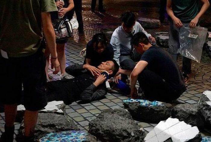 """Lưu Đức Hoa bị thương trên phim trường """"Chuyên gia phá bom 2"""""""