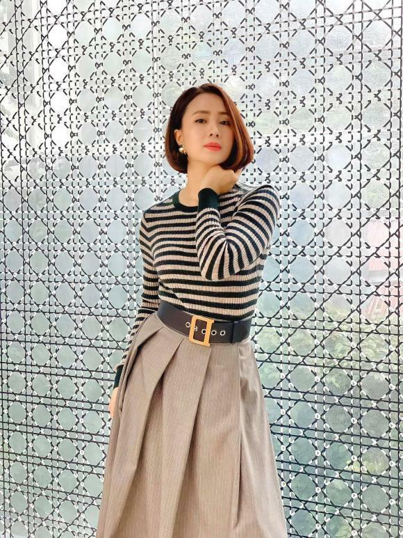 Phong cách thời trang 'thay đổi 180 độ' của Hồng Diễm trong phim 'Hướng dương ngược nắng'