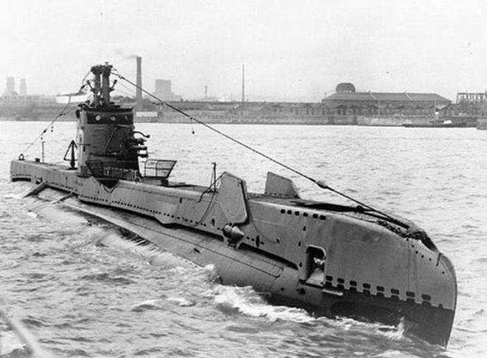 Lý do tàu ngầm Kilo được sơn thân vỏ màu đen