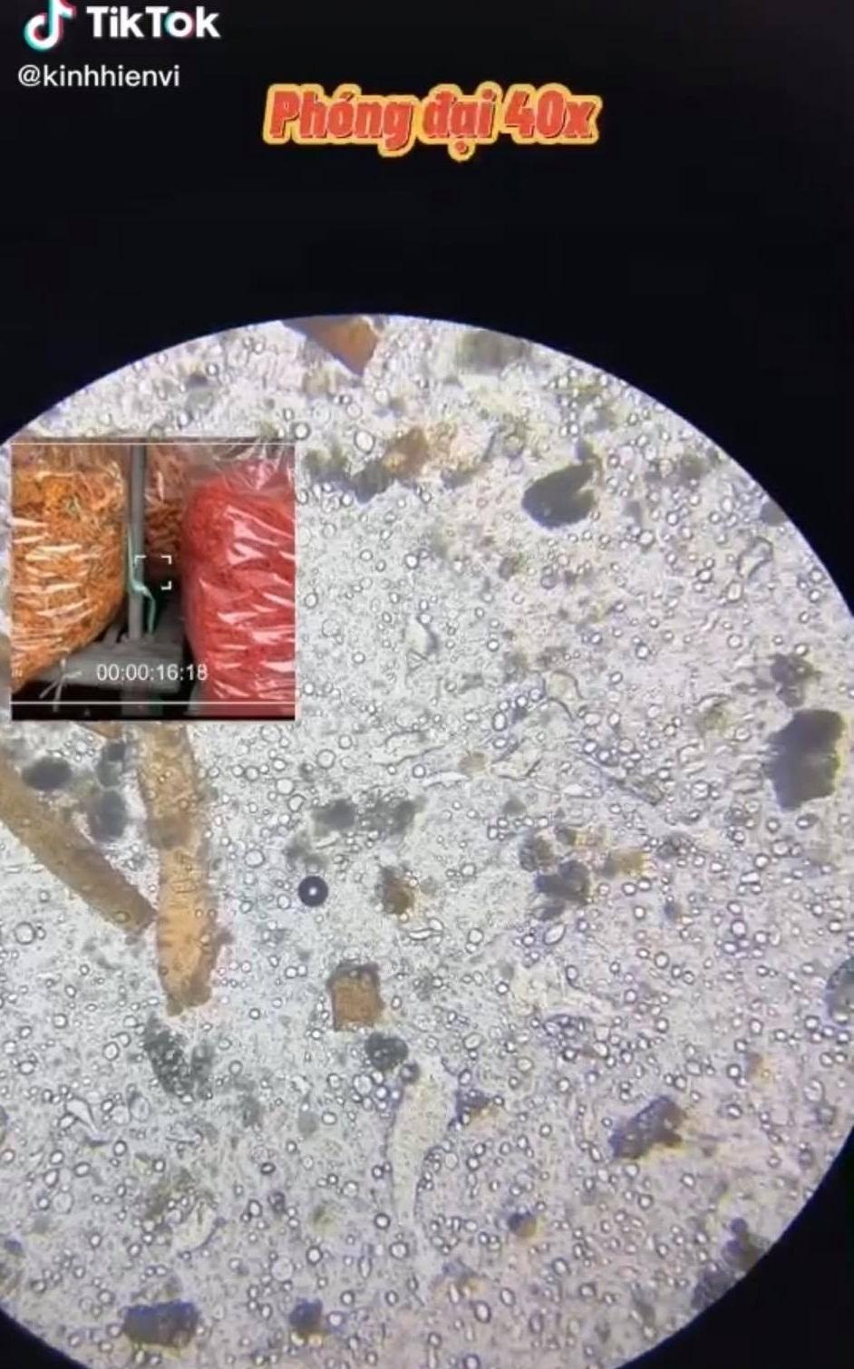 Soi bò khô siêu rẻ 170k/kg bán đầy ngoài chợ dưới kính hiển vi, phát hiện thứ nguyên liệu bất ngờ khiến nhiều người khiếp sợ