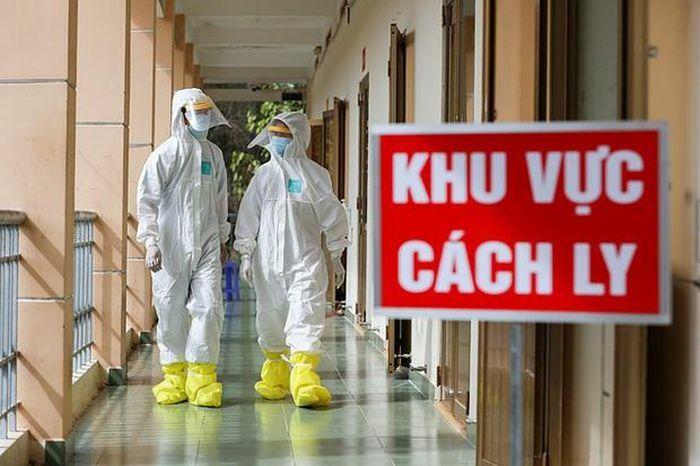 Thêm 4 ca nhập cảnh, Việt Nam có 2533 người mắc Covid-19