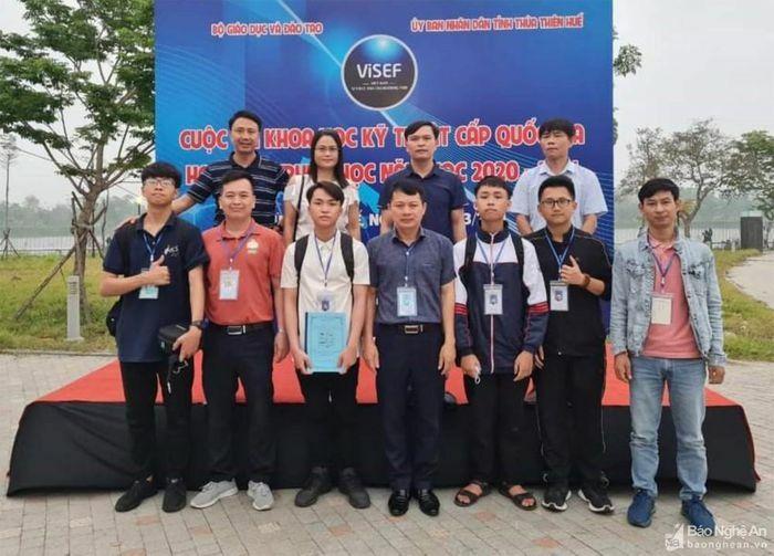 Lần đầu tiên Trường THPT chuyên Đại học Vinh đạt giải tại cuộc thi Khoa học kỹ thuật cấp Quốc gia
