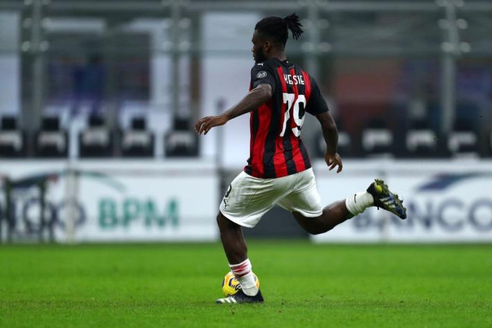 AC Milan thoát hiểm ở giây cuối trước Udinese
