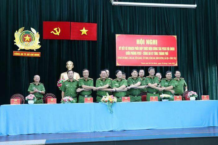 Công an 7 tỉnh, TP phía Nam cam kết hỗ trợ nhau thực hiện công tác PCCC-CNCH