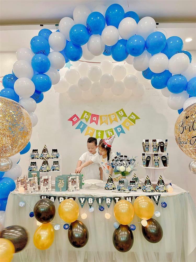 Chiều con như Ly Kute: Sinh nhật quý tử năm nào cũng có, du lịch đếm không xuể