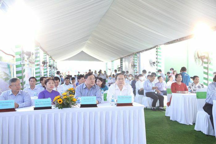 Chủ tịch Trần Thanh Mẫn dự khánh thành Nhà máy điện mặt trời Hậu Giang