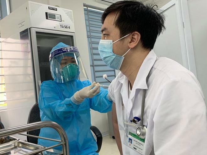 Chưa ghi nhận hiện tượng đông máu, Việt Nam vẫn tiếp tục tiêm vaccine AstraZeneca