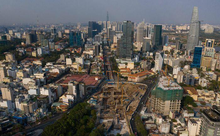 Hiện trạng công trường metro trước khi tái lập mặt đường Lê Lợi