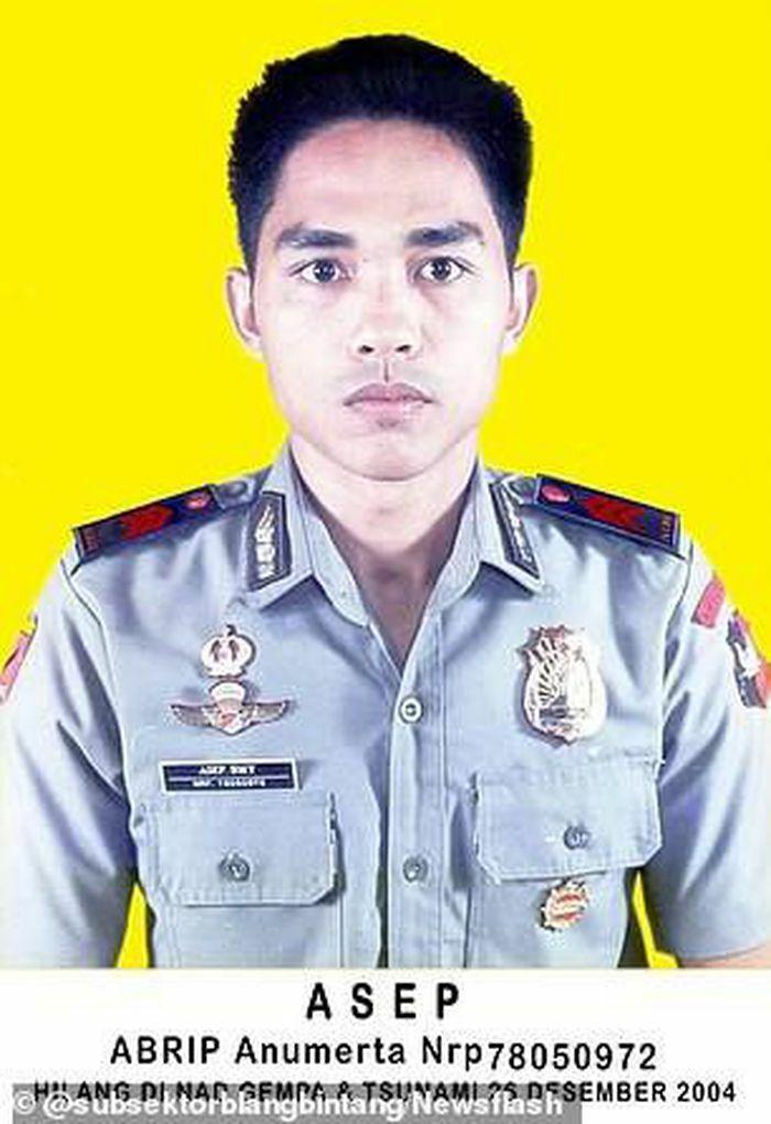 """Indonesia: Cựu sĩ quan """"từ cõi chết trở về"""" sau trận sóng thần kinh hoàng năm 2004"""