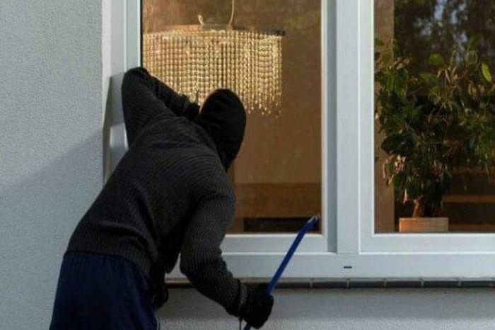 Khởi tố đối tượng trộm cắp rồi bóp cổ nạn nhân trong khu cách ly