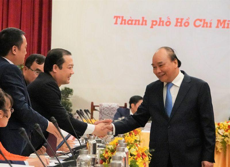 Thủ tướng Nguyễn Xuân Phúc: 'Chúng ta phải tự cứu mình trước'