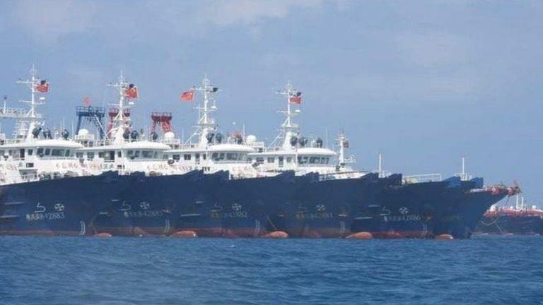 Trăm tàu Trung Quốc ở đá Ba Đầu: Phạm pháp nghiêm trọng!