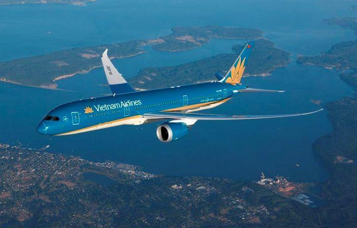 Vietnam Airlines xúc tiến du lịch và mở đường bay tới Khánh Hòa