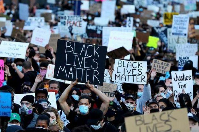 Các thông điệp phân biệt chủng tộc tại Mỹ tăng mạnh trong năm 2020
