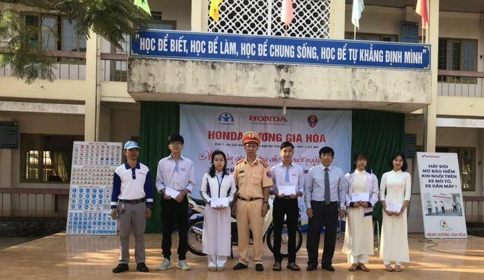 1.223 giáo viên, học sinh được tuyên truyền Luật Giao thông đường bộ