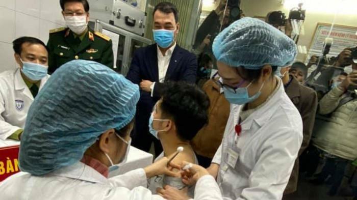 Có tai biến cũng không làm lung lay chiến dịch tiêm vaccine Covid-19 từ 8/3