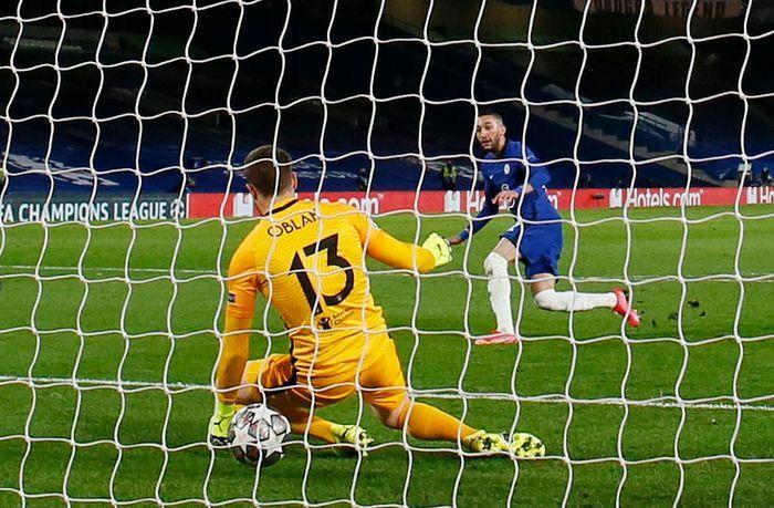 Chelsea vào tứ kết Champions League sau trận thắng Atletico